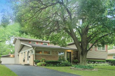 Wilmette Single Family Home For Sale: 210 Millbrook Lane