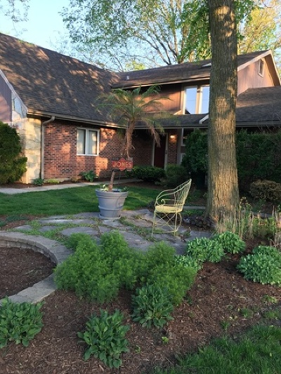Midlothian IL Single Family Home For Sale: $279,000