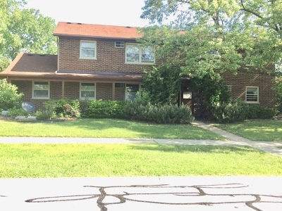 Du Page County Multi Family Home Contingent: 133 South Whispering Hills Drive