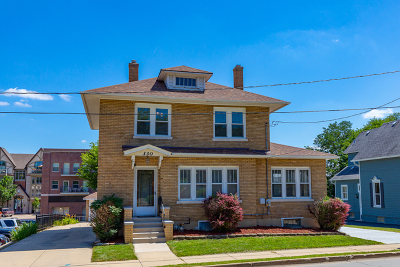 St. Charles Single Family Home For Sale: 330 South 2nd Street