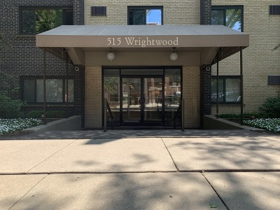 Condo/Townhouse For Sale: 515 West Wrightwood Avenue #505