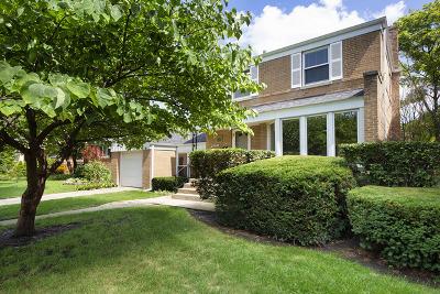 Skokie Single Family Home For Sale: 8237 Keeler Avenue
