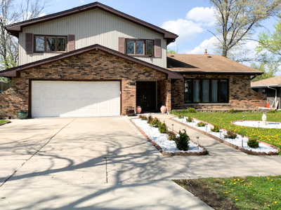 Hickory Hills Single Family Home For Sale: 8716 Orchard Drive