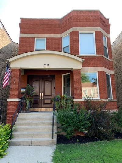 Single Family Home For Sale: 3537 North Oakley Avenue