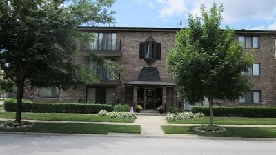 Oak Lawn Condo/Townhouse For Sale: 10850 Kilpatrick Avenue #2A