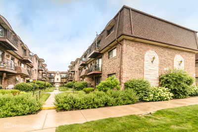 Edison Park Condo/Townhouse For Sale: 6451 North Northwest Highway #G1