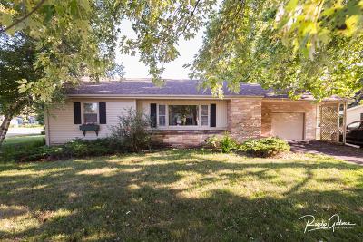 Dekalb Single Family Home For Sale: 140 East Alden Place