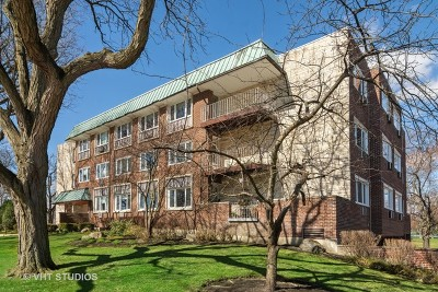Arlington Heights Condo/Townhouse For Sale: 2812 East Bel Aire Drive #101