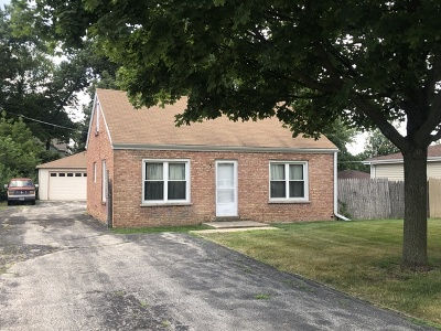 Willowbrook Single Family Home For Sale: 242 Highland Road