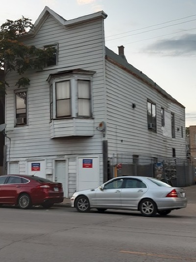 Multi Family Home For Sale: 3042 West Belmont Avenue