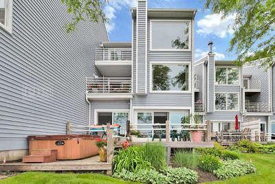 Mundelein Condo/Townhouse For Sale: 26439 North Ridge Court