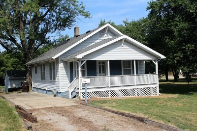 Clinton Single Family Home For Sale: 309 South Cain Street