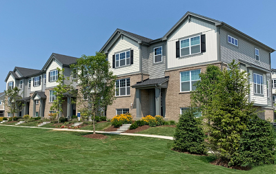 Arlington Heights Condo/Townhouse Price Change: 32 East Heritage Court #2-2