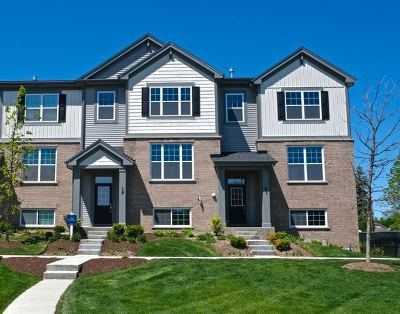 Arlington Heights Condo/Townhouse Price Change: 26 East Heritage Court #2-5