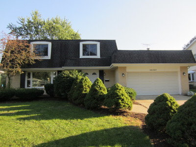 Darien Single Family Home For Sale: 18w207 Claremont Drive