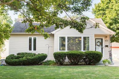 Dekalb Single Family Home For Sale: 612 East Roosevelt Street