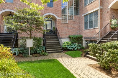 Glenview Condo/Townhouse For Sale: 1719 Dewes Street