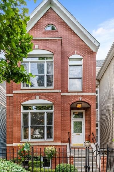 Single Family Home For Sale: 2702 North Racine Avenue