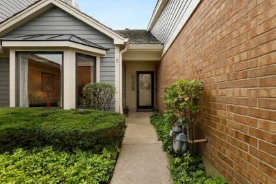 Libertyville Condo/Townhouse New: 715 Ascot Court
