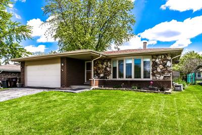 Oak Forest Single Family Home For Sale: 15521 Ridgeland Avenue
