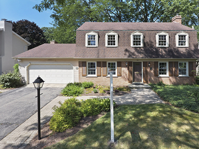 Glen Ellyn Single Family Home For Sale: 90 Joyce Court