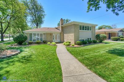 Oak Lawn Single Family Home For Sale: 4501 West 102nd Street