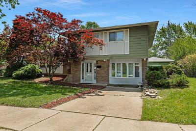 Oak Forest Single Family Home For Sale: 5775 Vine Street