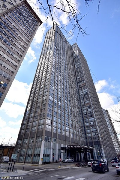 Condo/Townhouse New: 655 West Irving Park Road #1906
