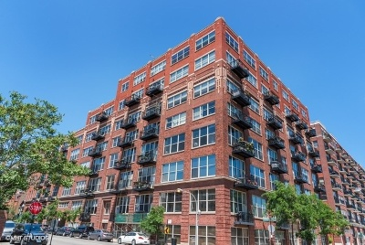 Condo/Townhouse For Sale: 1500 West Monroe Street #125