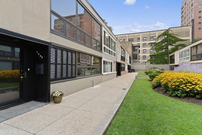 Lakeview Condo/Townhouse Contingent: 2902 North Sheridan Road