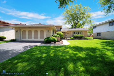 Elmhurst Single Family Home For Sale: 759 South Stuart Avenue