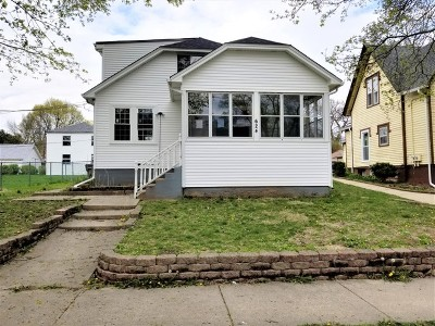 Elgin Single Family Home For Sale: 624 Linden Avenue