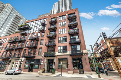 Condo/Townhouse For Sale: 300 West Grand Avenue #411