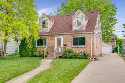 Elmhurst Single Family Home For Sale: 123 North Avon Road