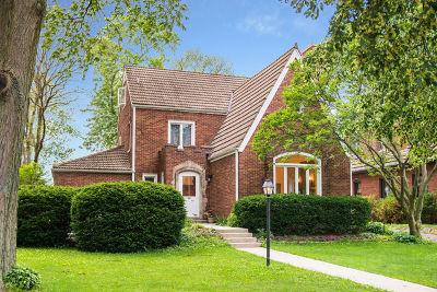 Villa Park Single Family Home For Sale: 410 South Illinois Avenue