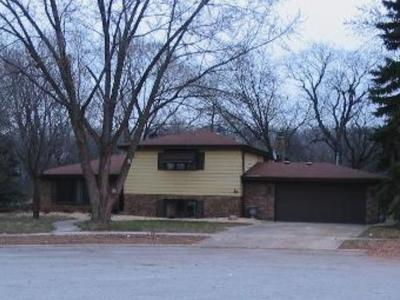 South Holland Single Family Home Contingent: 17303 Thornwood Court