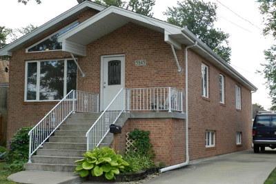 Berkeley Single Family Home For Sale: 5845 Burr Oak Avenue