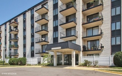 Niles Condo/Townhouse New: 9737 North Fox Glen Drive #1D