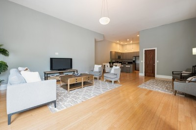 Condo/Townhouse For Sale: 1459 West School Street #1
