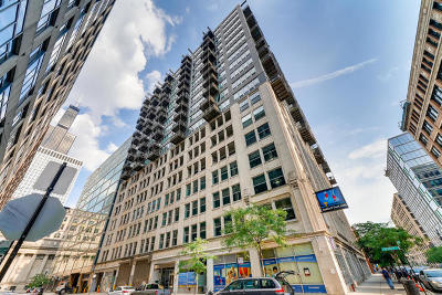 Condo/Townhouse For Sale: 565 West Quincy Street #504