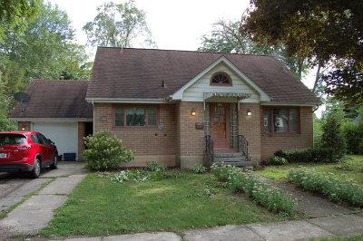 Marengo Single Family Home For Sale: 635 East Prairie Street