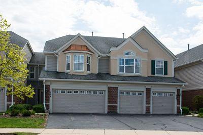 Vernon Hills Condo/Townhouse For Sale: 318 Pine Lake Circle