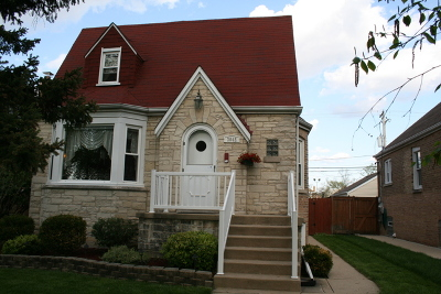 Elmwood Park Single Family Home For Sale: 3045 North 77th Avenue