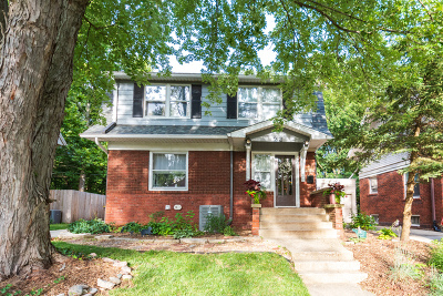 Single Family Home For Sale: 22 Broadway Place