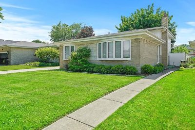Westchester IL Single Family Home New: $279,900