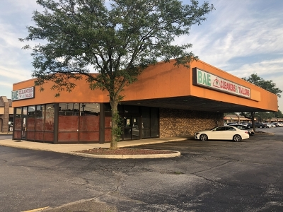 Schaumburg Commercial New: 761 West Golf Road