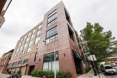 Condo/Townhouse New: 3946 North Ravenswood Avenue #304