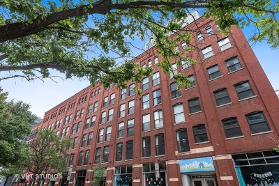 Condo/Townhouse New: 225 West Huron Street #318