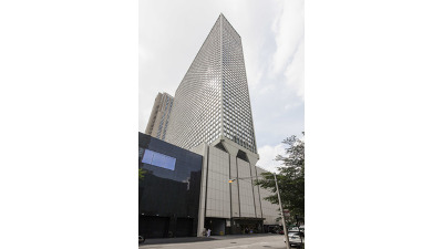 Condo/Townhouse New: 111 East Chestnut Street #55J