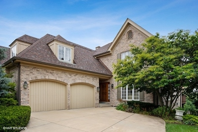 Westmont Condo/Townhouse For Sale: 49 Tartan Lakes Drive